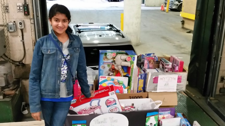 Anjani brightens the holidays for sick children